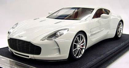 AmiAmi [Character U0026 Hobby Shop] | 1/18 ASTON MARTIN 2010 One 77 (White)  Full Open Close Model