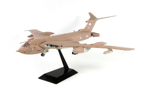 1/144 SNシリーズ 英空軍 ビクターK.2 給油機 デザートストーム プラモデル[ピットロード]《取り寄せ※暫定》