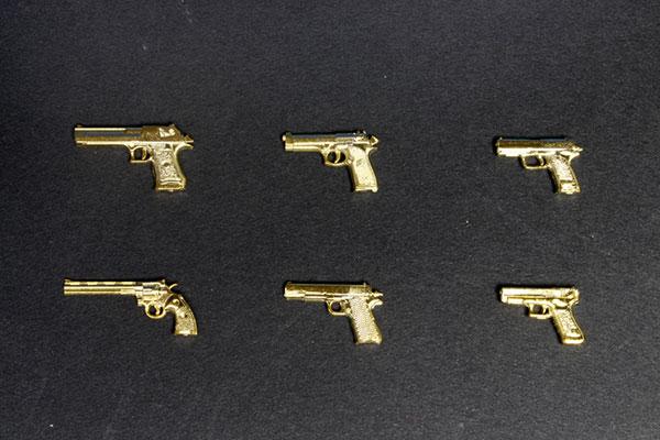 1/12 Realistic Weapon Series - Realistic Handgun (6 Types) Gold Coating ver. Plastic Model(Pre-order)1/12 リアリスティック ウエポン シリーズ リアリスティック ハンドガン(6種) ゴールドコーティングver. プラモデルAccessory