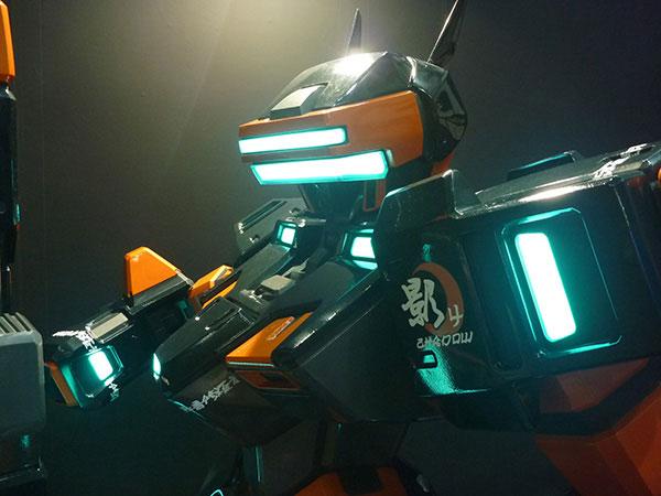 【完全受注生産】「電脳戦機バーチャロン」 20周年記念ヒューマンサイズ・テムジンモニュメント MONUMENT:MBV-04〈ライトアップモデル・SHADOW四之影〉 半組み立て品【送料無料】[フロンティアワークス]