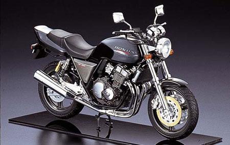 1/12 ネイキッドバイク No.09 ホンダ CB400SF(ブラック) プラモデル(再販)[アオシマ]《取り寄せ※暫定》