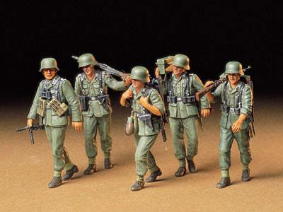 Tamiya 1//35 Military Miniature Series No.184 German Army Machine Gun Team Army