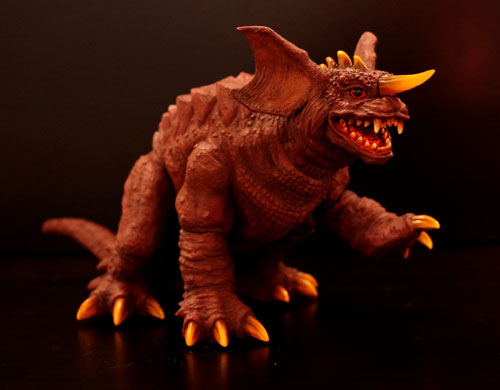 東宝怪獣コレクション 第24弾 護国聖獣 婆羅護吽(バラゴン2001)[地球防衛軍秘密基地本部]《在庫切れ》