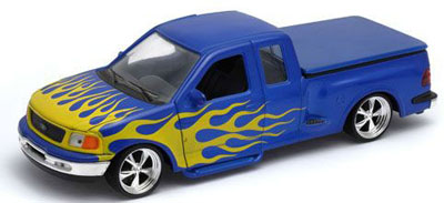 1/24 フォード F-150 FLARESIDE スーパーキャブ ピックアップトラック 1999 ローライダー(ブルー/ファイヤーパターン)[WELLY]《取り寄せ※暫定》