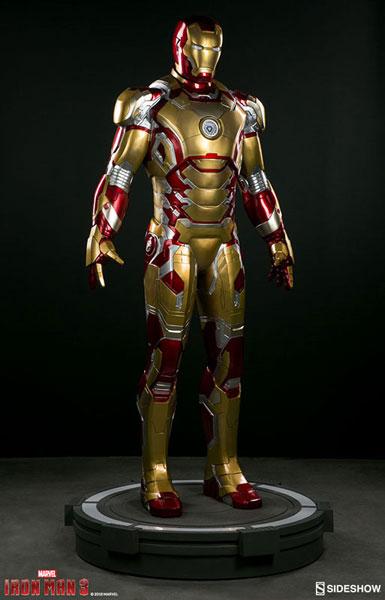 『アイアンマン3』 等身大スタチュー アイアンマン・マーク42
