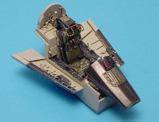 1/48 F-8E クルセーダー用コクピットセット (H社用)(再販)[アイリス]《取り寄せ※暫定》