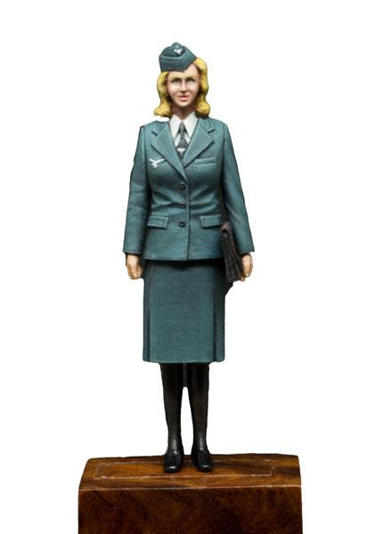 1/35 WW2ドイツ空軍女性通信補助員[パッションモデルズ]《在庫切れ》