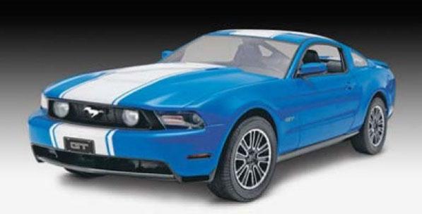 1/25 2010年 フォード ムスタング GT プラモデル[ドイツレベル]《08月予約》