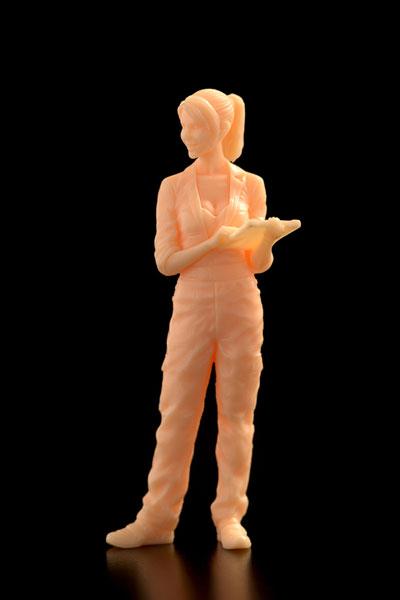 1/35 Ma.K. 女性整備士(B) マルティナ技士 fortissimo(フォルテシモ) ※フレッシュ成型色 組立キット[ブリックワークス]《在庫切れ》