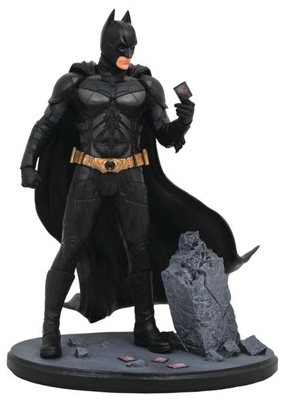 『ダークナイト』PVCスタチュー[DC ギャラリー]バットマン