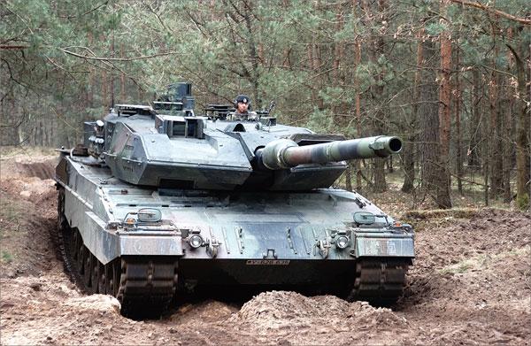 THE TANK 世界の最強戦車 2019年カレンダー[トライエックス]《在庫切れ》