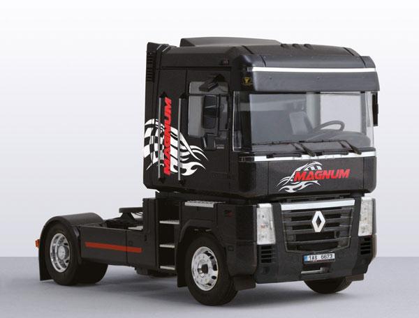 1/24 ルノー AE500 マグナムトラック (2001) プラモデル(再販)[イタレリ]《09月予約※暫定》
