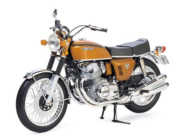 1/6 Honda ドリーム CB750 FOUR プラモデル(再販)[タミヤ]《発売済・在庫品》
