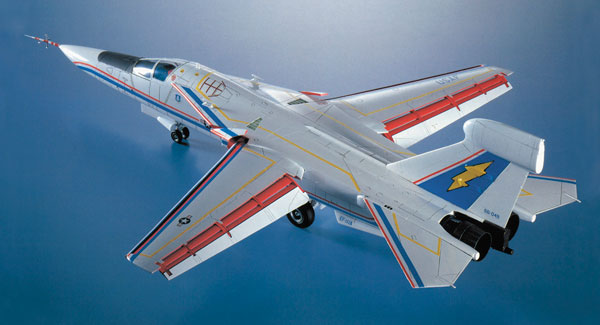 """1/72 EF-111A レイブン """"エレクトリック フォックス"""" プラモデル[ハセガワ]《取り寄せ※暫定》"""