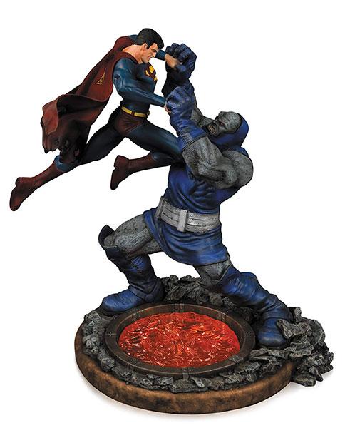 『DCコミックス』 DC スタチュー スーパーマンVSダークサイド(バージョン3)[DCコレクティブル]【送料無料】《発売済・在庫品》