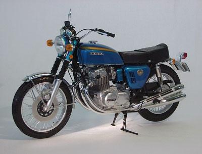 1/6 Honda ドリーム CB750 FOUR CANDY BLUE プラスチックモデル[タミヤ]《在庫切れ》