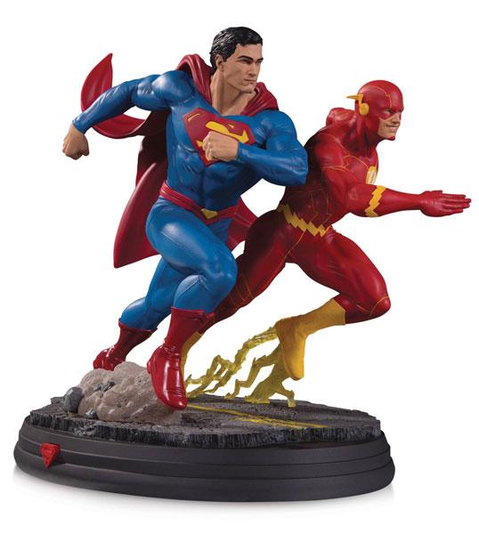 『DCコミックス』 DC スタチュー スーパーマン VS フラッシュ(バージョン2)[DCコレクティブル]【同梱不可】【送料無料】《在庫切れ》