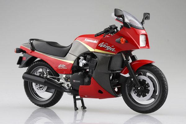 1/12 完成品バイク KAWASAKI GPZ900R 赤/灰[スカイネット]《05月予約》