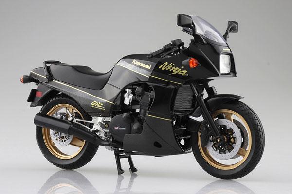 1/12 完成品バイク KAWASAKI GPZ900R 黒/金[スカイネット]《05月予約》