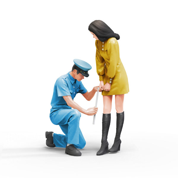 1/24 規則で丈を計る警官と嫌がる女子[TORI FACTORY]《在庫切れ》