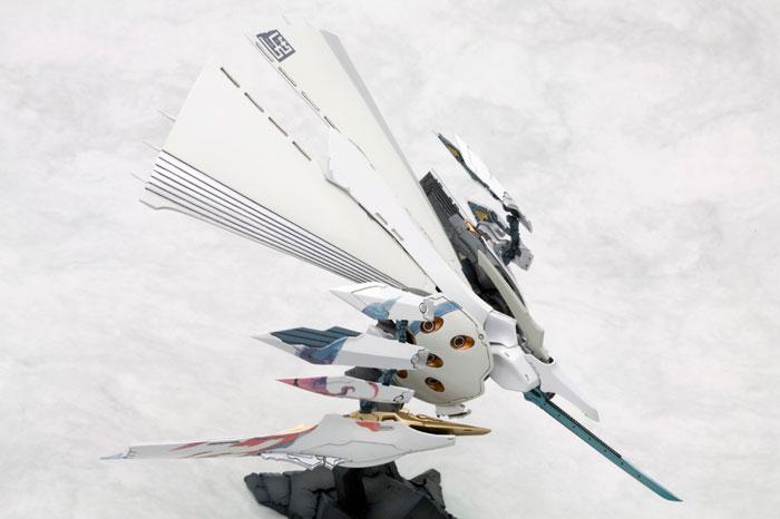 斑鳩 飛鉄塊 銀鶏[白] プラモデル