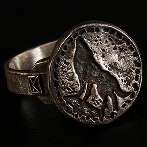 ダークソウル × TORCH TORCH/ リングコレクション: 狼の指輪 メンズモデル 23号