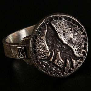 ダークソウル × TORCH TORCH/ リングコレクション: 狼の指輪 メンズモデル 19号