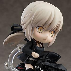 ねんどろいど Fate/Grand Order セイバー/アルトリア〔オルタ〕新宿Ver.&キュイラッシェ・ノワール