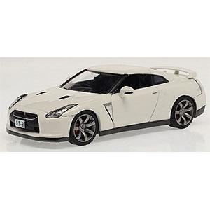 1/43 ニッサン GT-R R35 2008 ホワイト